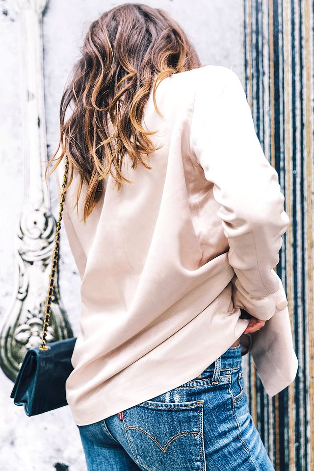 Traveling like Escudero? These jeans just gave you more of a reason to love them. They're travel-friendly because you can take them from day to night, just like the fashion bloggerdid....