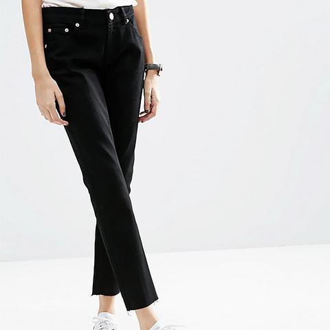 Kimmi Shrunken Boyfriend Jeans in Clean Black With Raw Hem