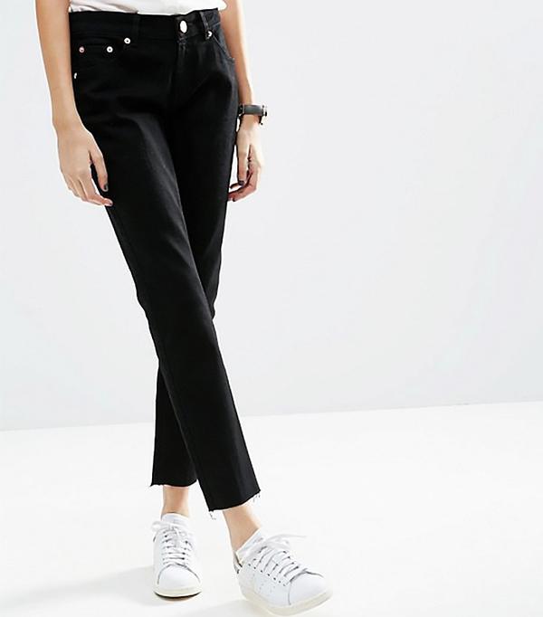ASOS Kimmi Shrunken Boyfriend Jeans in Clean Black with Raw Hem
