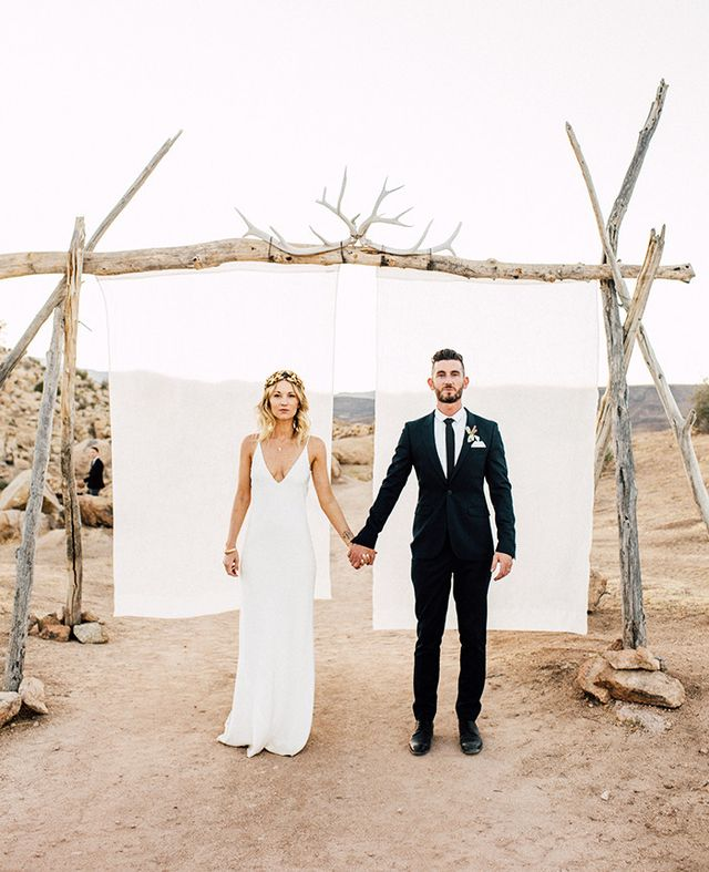 When a desert wedding is done right, the lust levels hit an ultimate high. Mariah Rich, studio director of cult-fave gifting brand Simone LeBlanc, opted for Joshua Tree nuptials that...