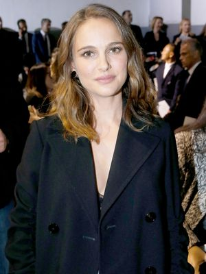 See Jackie Kennedy and Natalie Portman Side by Side in the Same Outfit