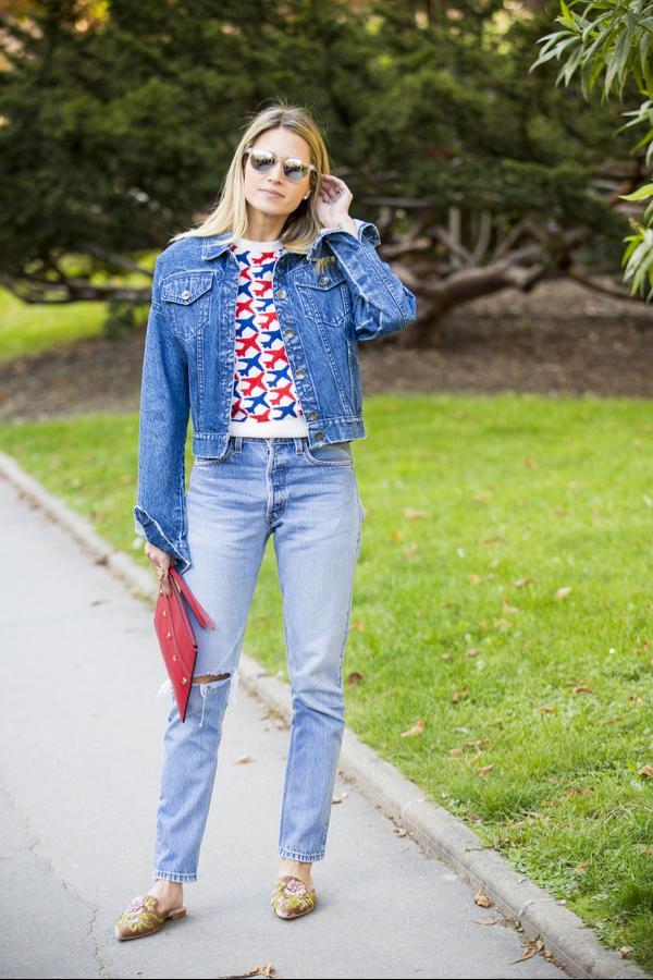 Helena Bordon wears a blue denim jacket and jeans.