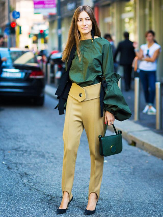 Giorgia Tordini street style stirrup leggings and statement sleeves