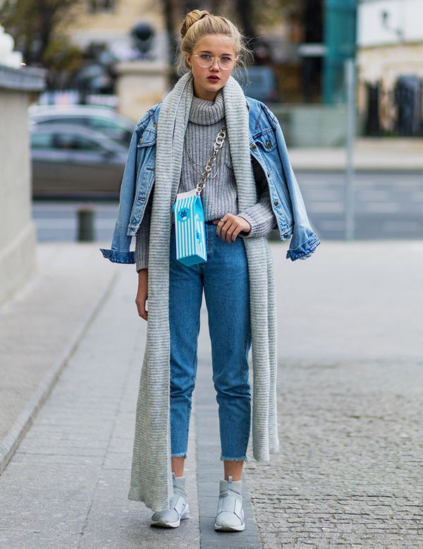Style Notes: Double denim and a matching chunky grey sweater and scarf: 10/10.