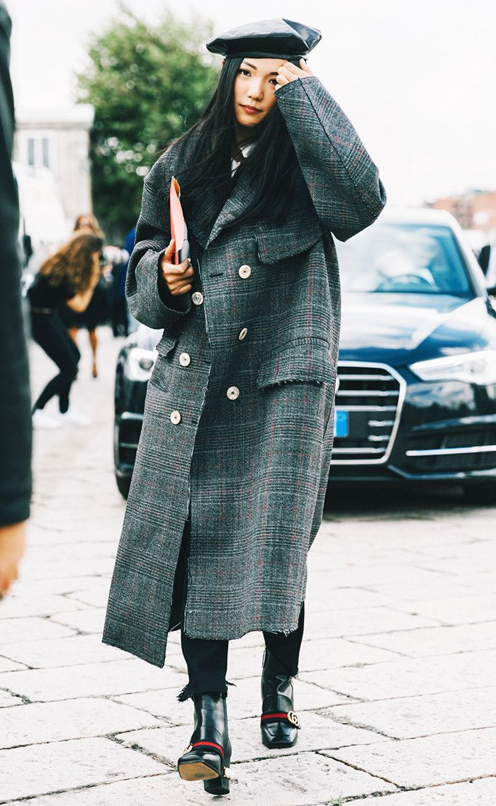 beret street style plaid coat