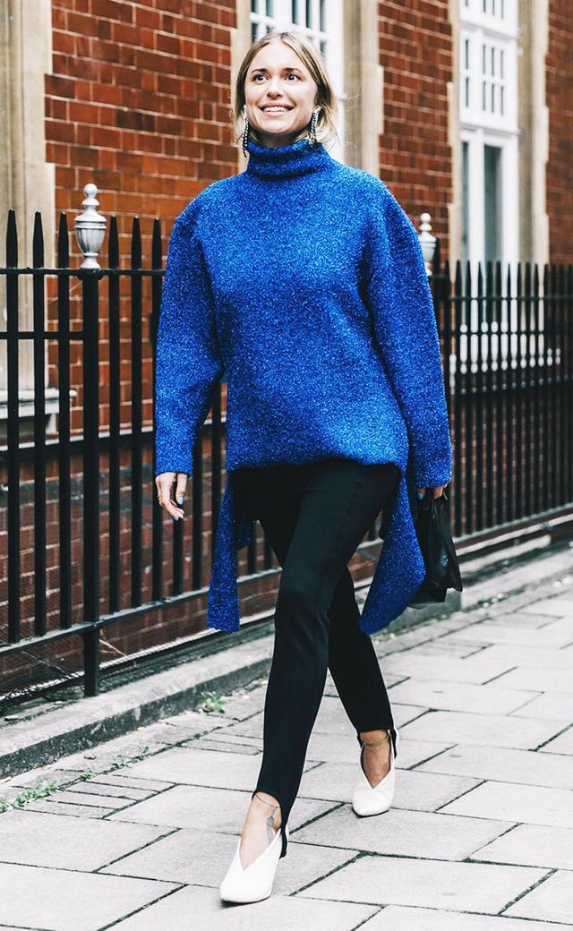 pernille teisbaek sweater stirrup leggings street style