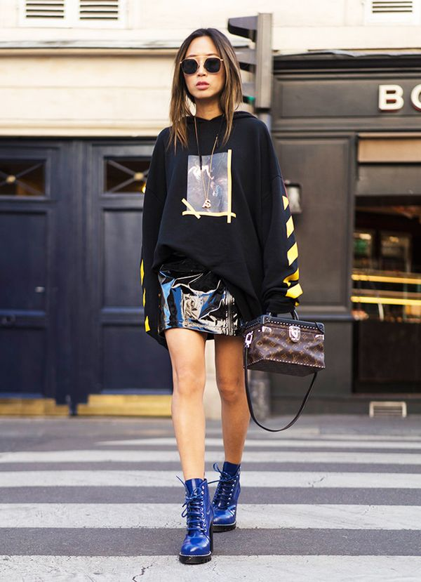 graphic-sweatshirt-patent-mini-skirt-laceup-boots-street-style