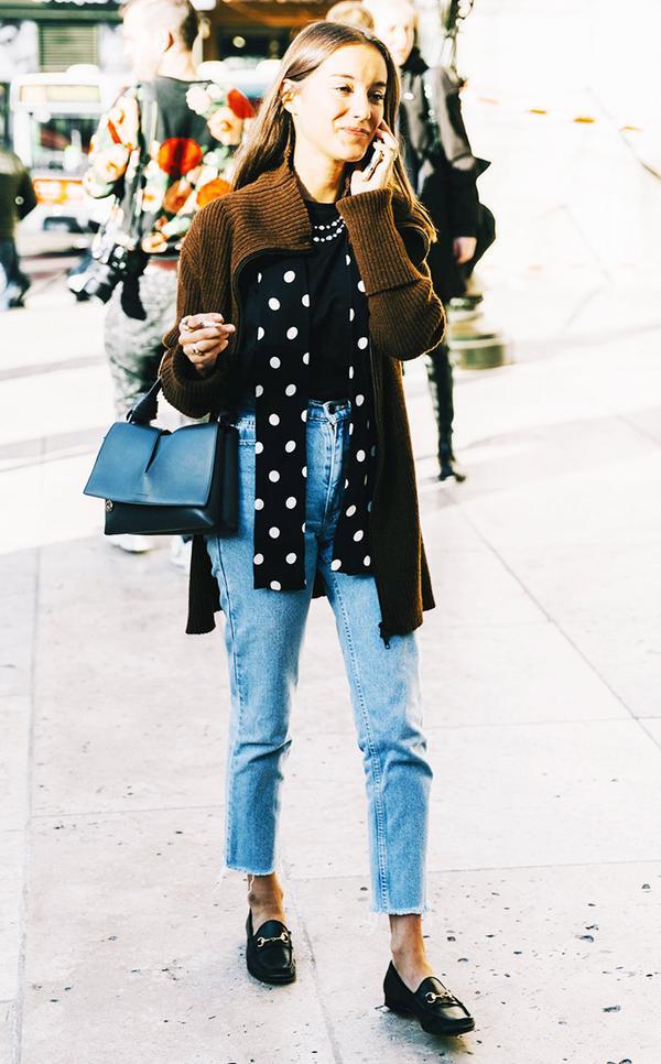 cardigan-styling-polka-dot-scarf