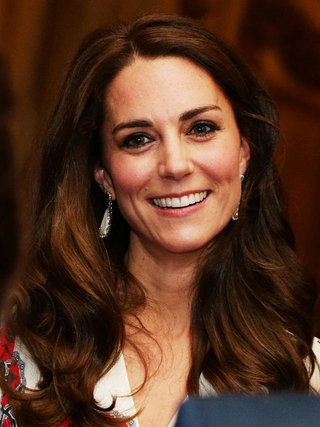On the Duchess of Cambridge: Soru Jewellery Baroque Pearl Double Sided Earrings (£130).