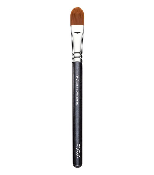 How to prevent concealer from creasing: Zoeva Soft Concealer Brushlancôme-concealer-brush-#8