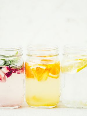 4 Detox Water Recipes to Help You De-Bloat