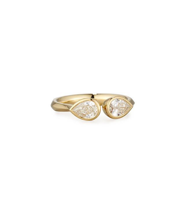 Memoire Pear-Shaped Diamond Bezel Ring in 18K Yellow Gold