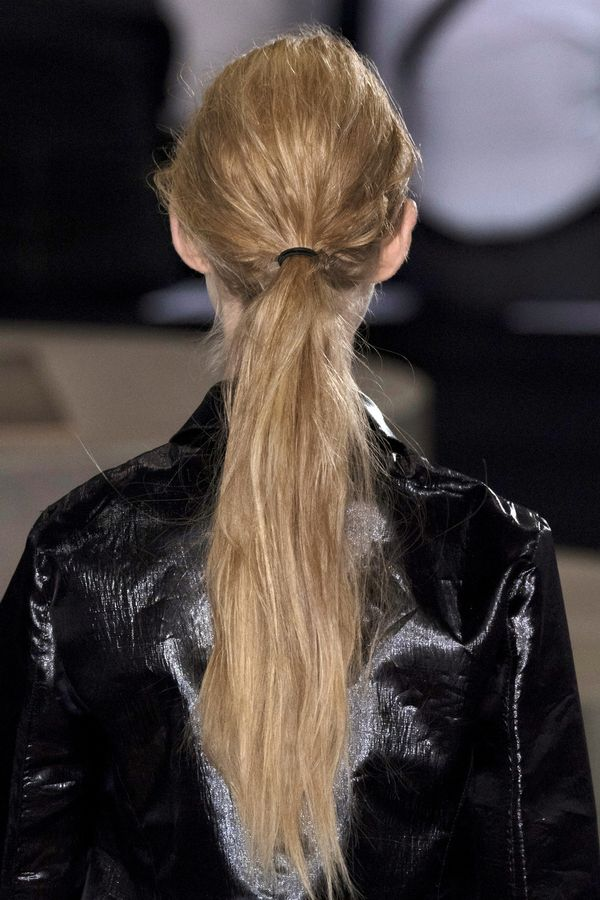 5-minute-hairstyles-long-hair