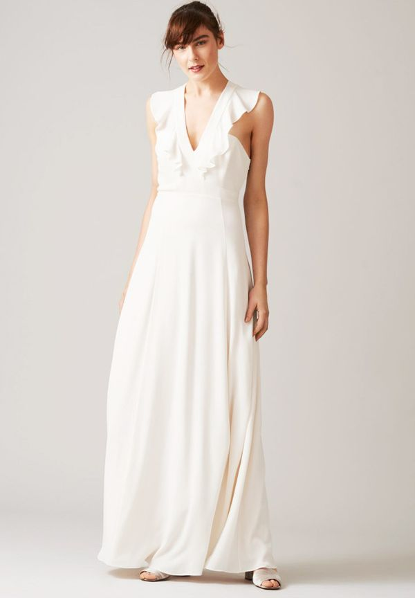 A simple ruffle at the front is a chic detail for the minimalistic bride.