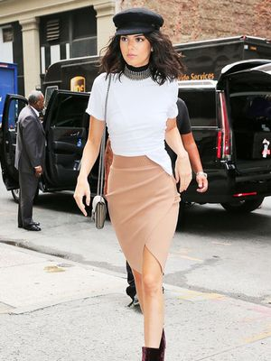 7 Timeless Pencil-Skirt Outfits for Any Age