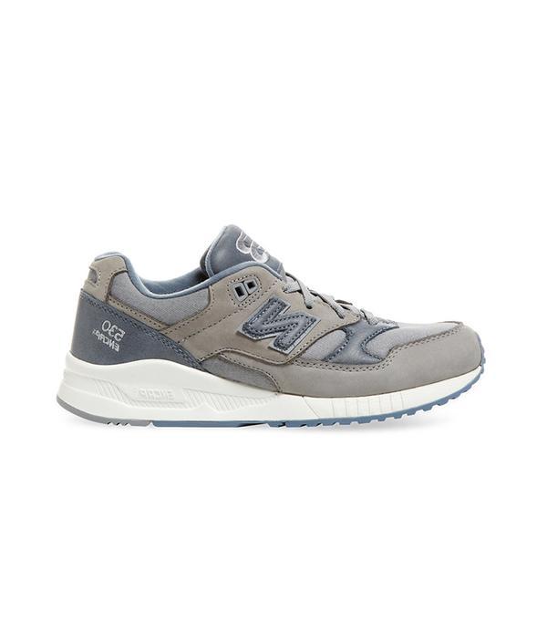 '696' Sneaker