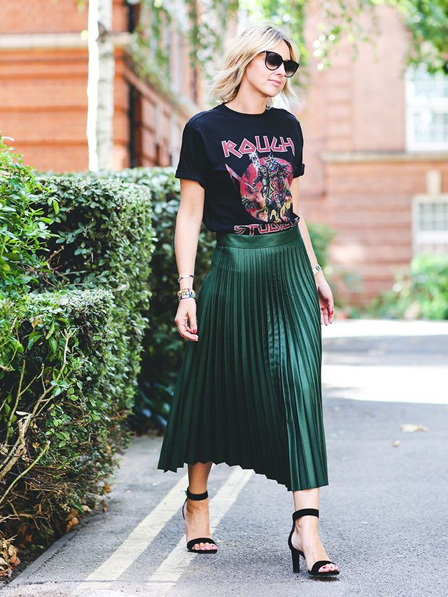 Style Notes: The idea of hi-lo works really well for these kinds of tees: Pair one with a pretty, luxe skirt and classic heels, and your crew-neck will instantly relax into place. Shop...