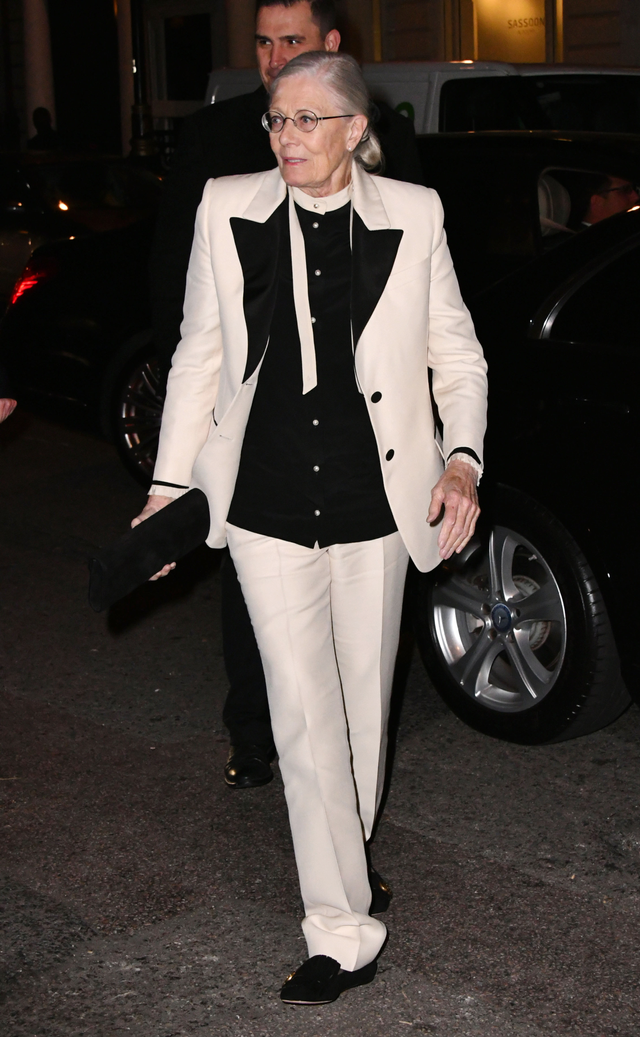 On Vanessa Redgrave: Gucci suit. We admire any lady whoproves that a suit is just as statement-making as a dress on the red carpet. And Vanessa Redgrave's had a subtle Saturday Night Fever...