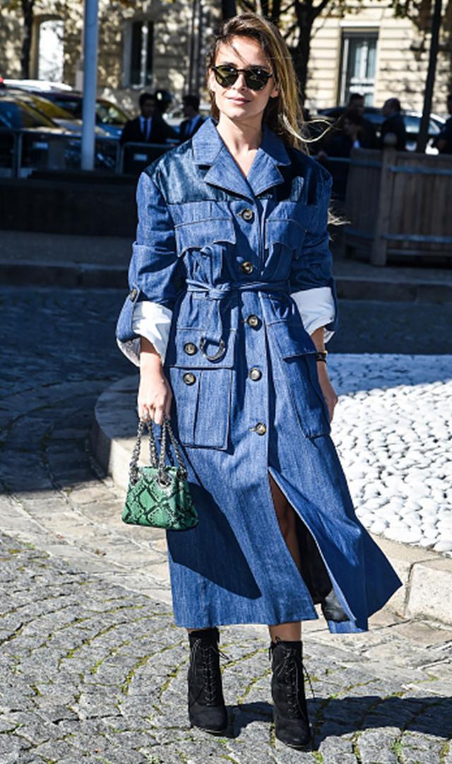 Miroslava Duma wearing denim coat street style