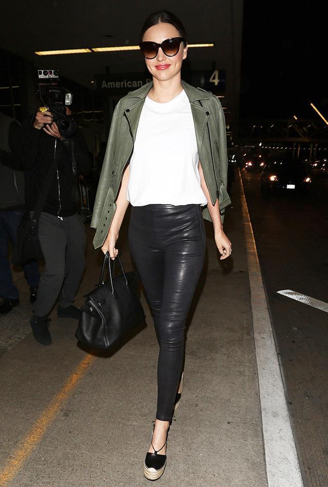 Miranda Kerr airport style leather leggings
