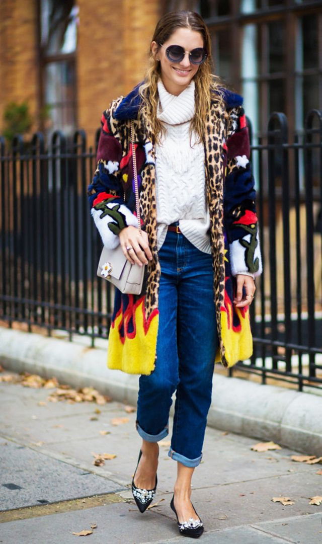 sweater and jeans street style