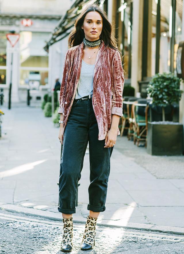 On Hannah Twist: Topshop Pleat Velvet Blazer (£49) available in BlackandBoyfriend Jeans(£55); Topshop BoutiqueSkinny Vest(£20). WHO WHAT WEAR UK:...