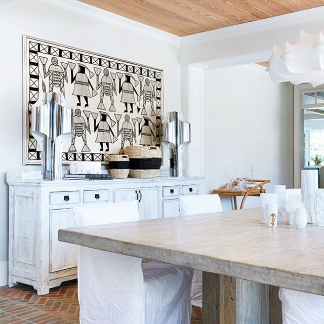 A Sophisticated Hamptons Home With a Farmhouse Feel