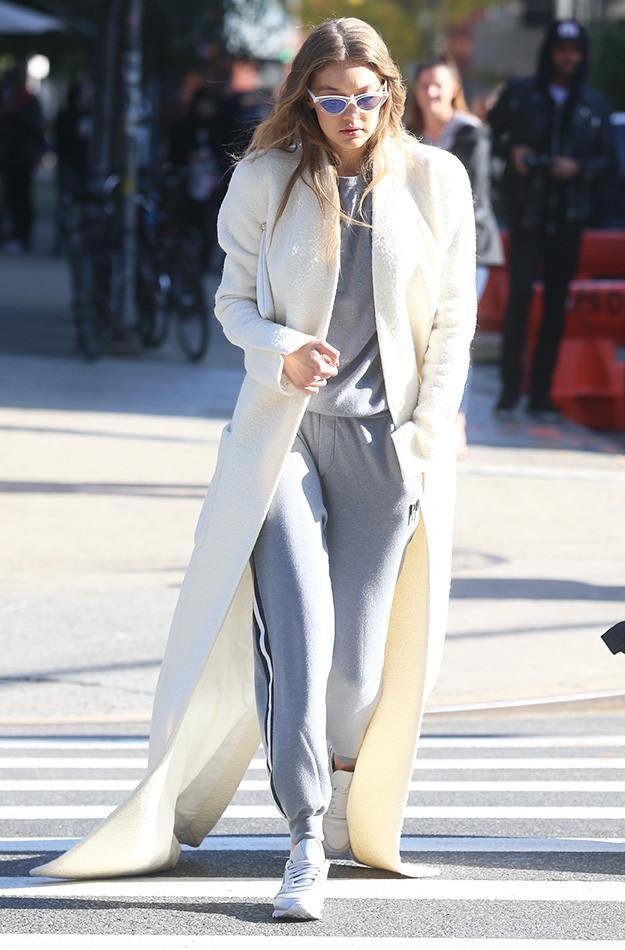 gigi-hadid-wearing-long-white-coat