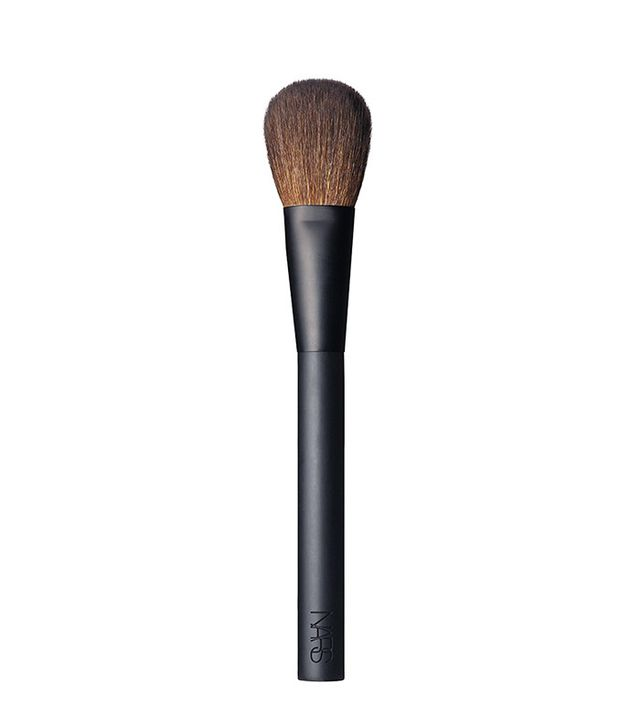 makeup-brush-guide-nars-blush-brush-#20