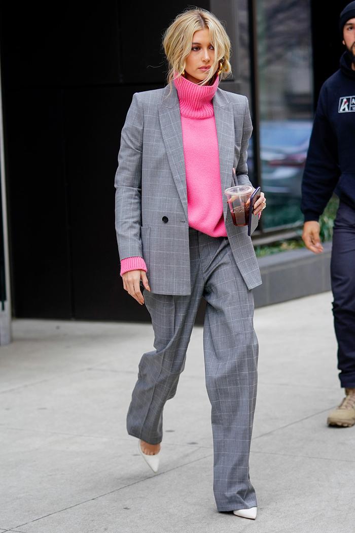 Hailey Baldwin style: checked blazer