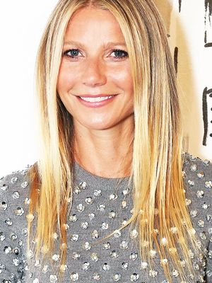 The One Thing Gwyneth Paltrow Does Every Day to Keep Her Skin Looking Flawless