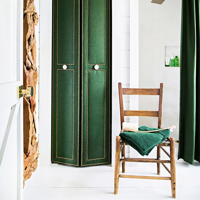 Style by the Decades: How to Decorate Your Bathroom at Every Age