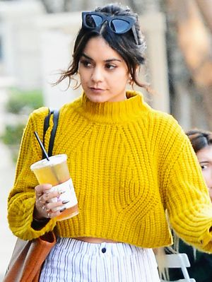 This Is How L.A. Girls Do Sweater Weather
