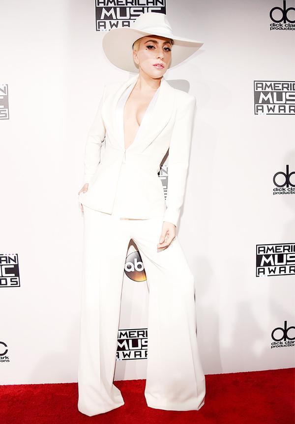WHO: Lady Gaga Next up!13 new buys that supply major fashion power.