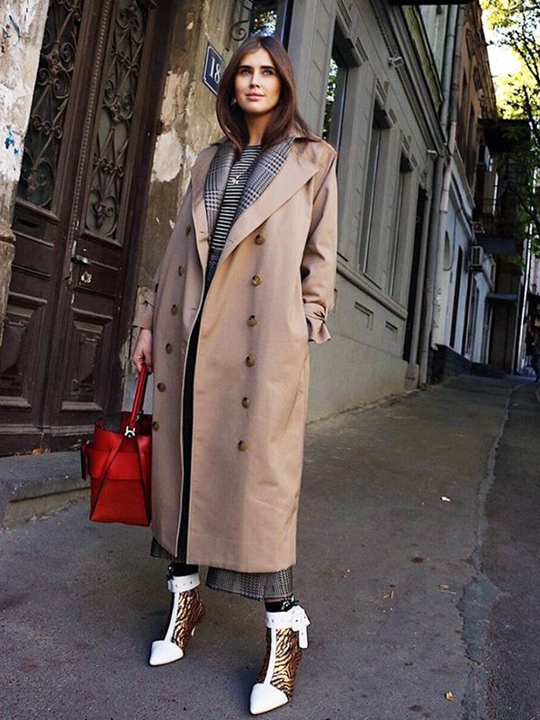 Cold Weather Outfits: a long trench coat you can layer
