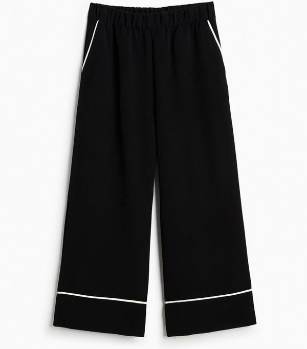 Must-See Spring Street Style Outfits to Bookmark: Monki Wide Swing Trousers