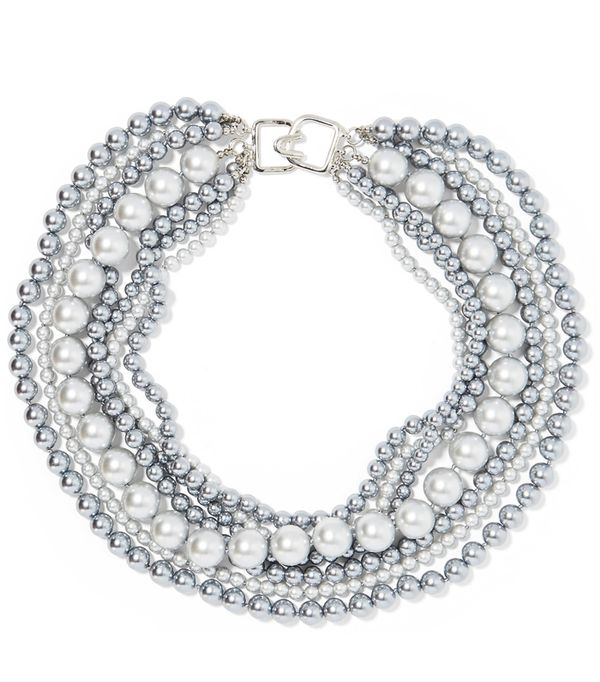 Must-See Spring Street Style Outfits to Bookmark: Kenneth Jay Lane Faux Pearl Necklace