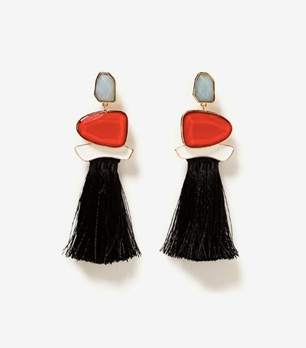 Must-See Spring Street Style Outfits to Bookmark: Zara Tasseled Gemstone Earrings