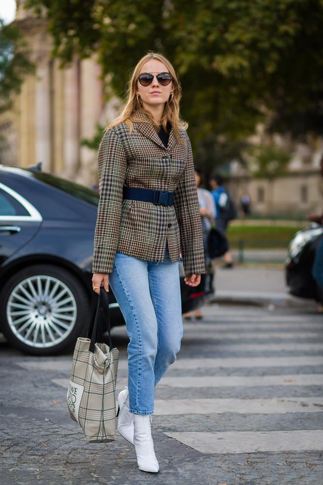 WHO: Alexandra Carl WEAR: Loewe bag