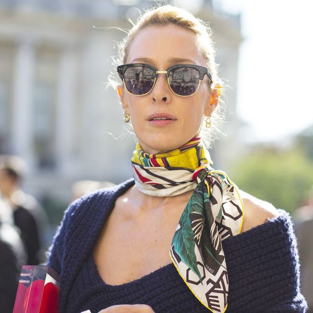 How Hermès Wants You to Tie Your Scarf