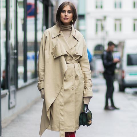 Red ankle boots: Darja Barannik