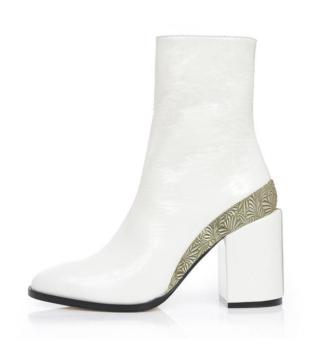 Dear Frances Limited-Edition Spirit Boots in White