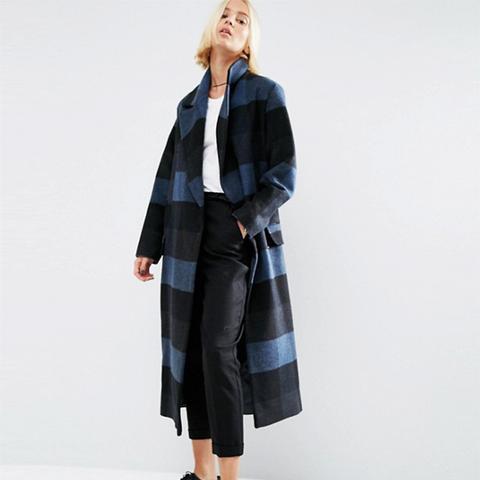 Coat in Oversized Check