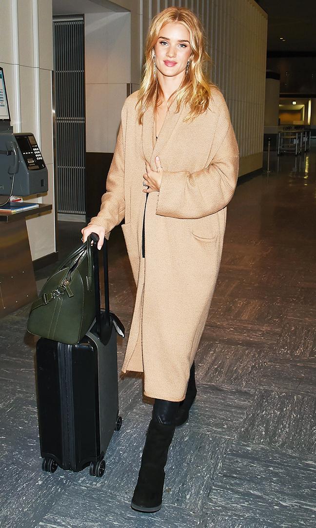 leggings and uggs: Rosie Huntington-Whiteley