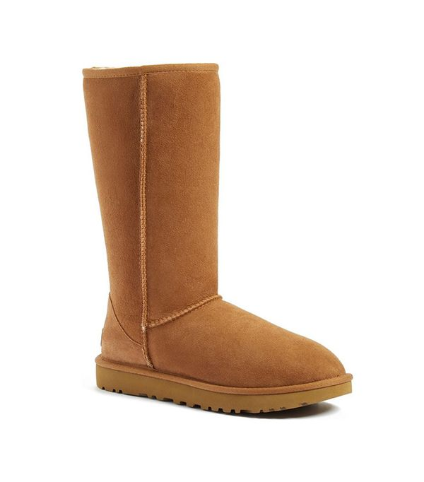 leggings and uggs: Ugg Classic II Genuine Shearling Lined Boot
