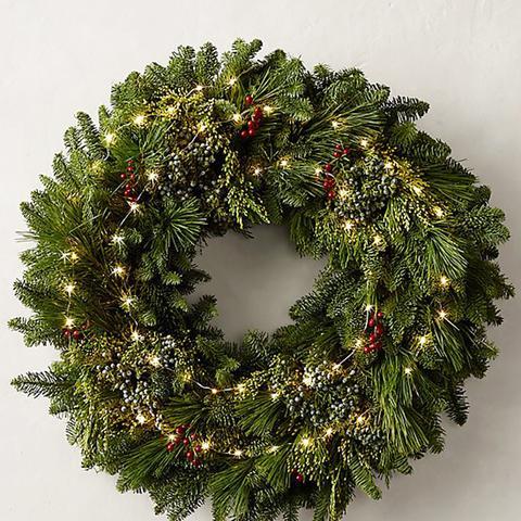 Fresh Cut Wreath Evergreen & Berry