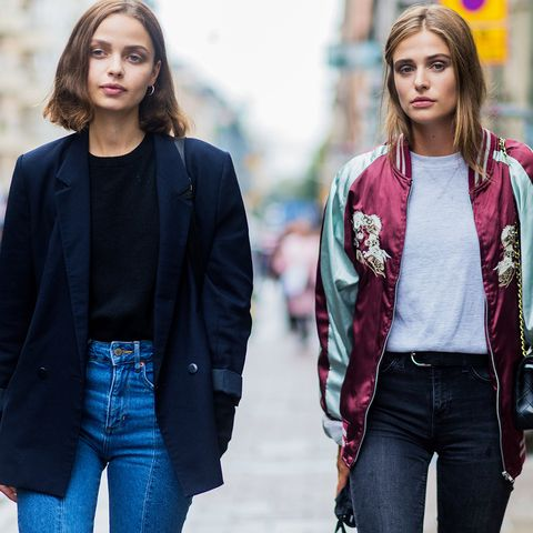 How to wear high-waisted jeans: With a jumper and classic blazer