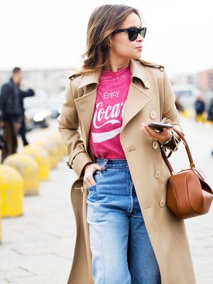 9 Outfits That Prove High-Waisted Jeans Are the Most Flattering