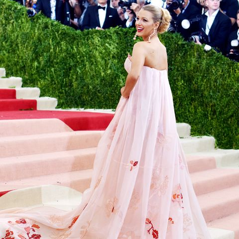 best red carpet dresses 2016: Blake Lively Met Gala