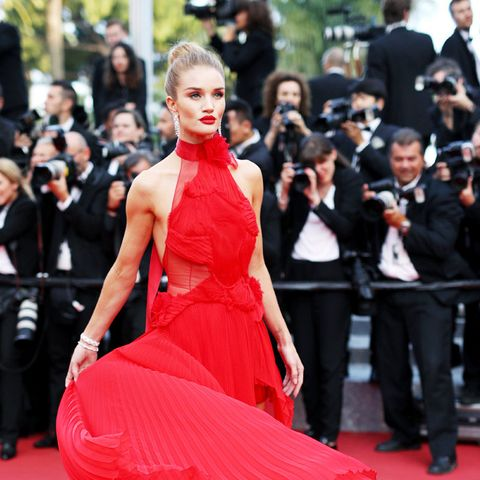 best red carpet dresses 2016: Rosie Huntington Whiteley